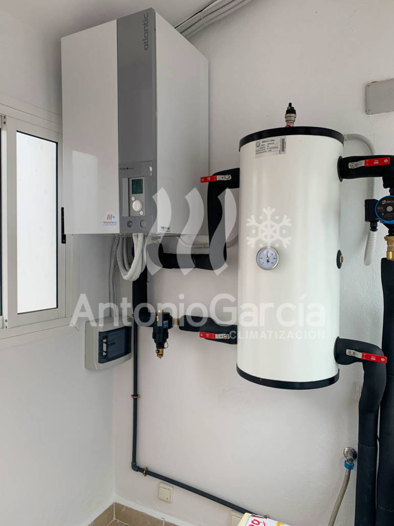 Instalación de aerotermia para radiadores